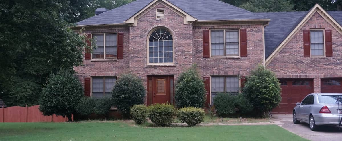 Metro Atlanta Manor / Home in Powder Springs Hero Image in undefined, Powder Springs, GA