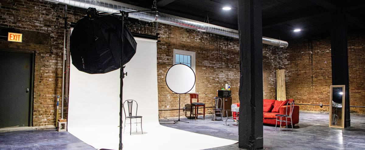 Spacious Chicago photo and film studio/loft in Chicago Hero Image in South Side, Chicago, IL