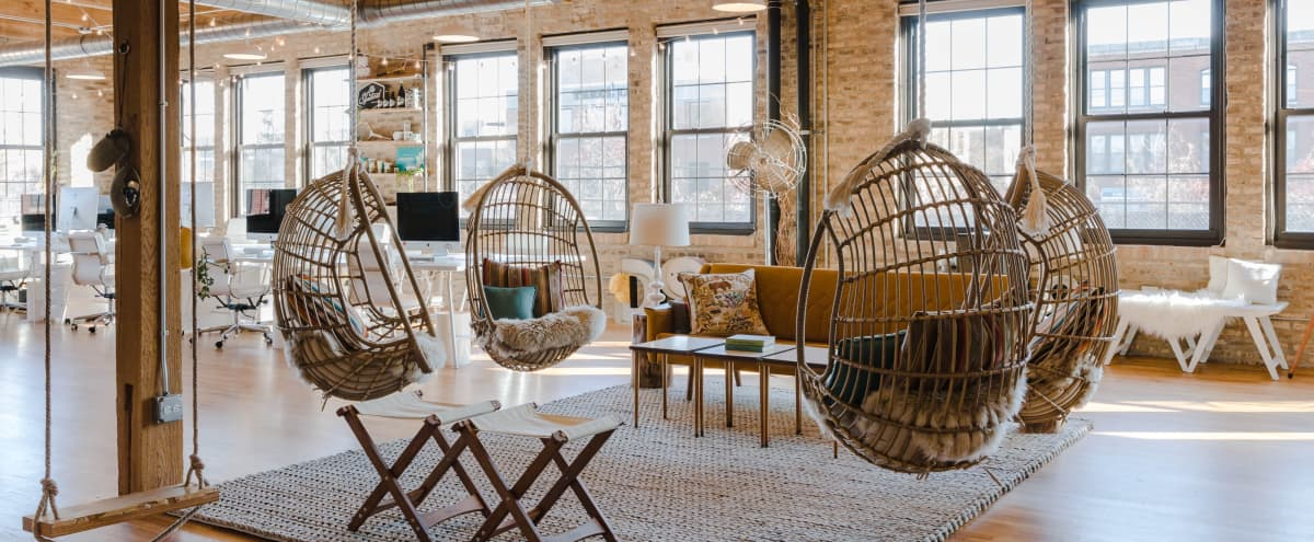 Sun-filled Timber Design Studio Loft in Chicago Hero Image in North Center, Chicago, IL