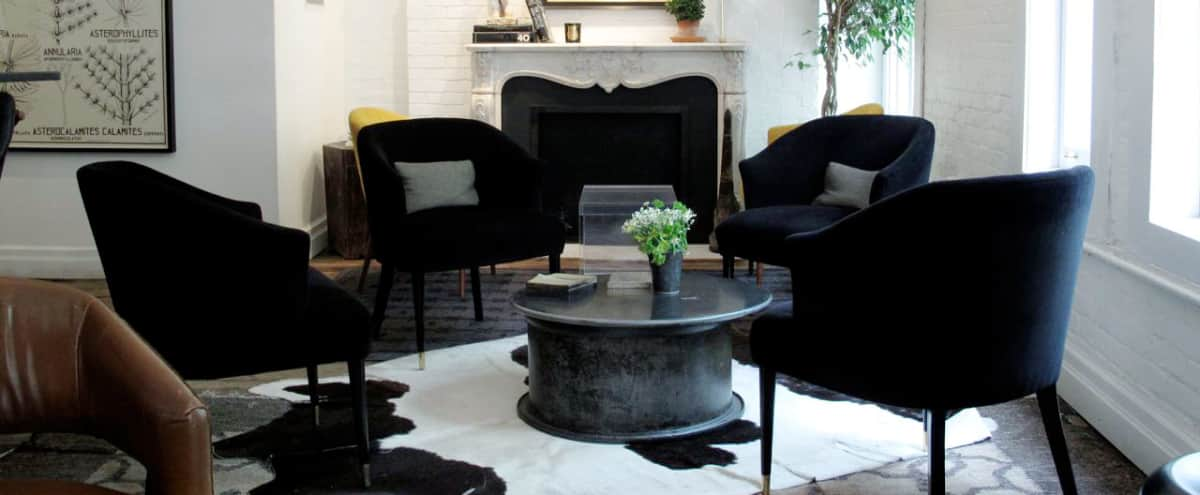 Cozy, Creative Space in Three -Story Carriage House, near Flatiron/Chelsea/Union Square - LIVING ROOM in New York Hero Image in West Side, New York, NY