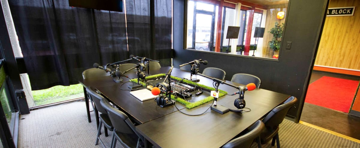 Podcast Studio for Talk Shows, Sports Broadcasts and Interviews in Houston Hero Image in Greater OST / South Union, Houston, TX