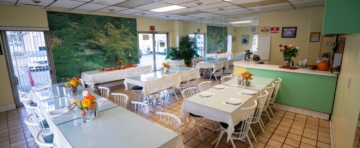 Beautiful Dining place in Glendale Ave, Hero Image in Adams Hill, Glendale Ave,, CA