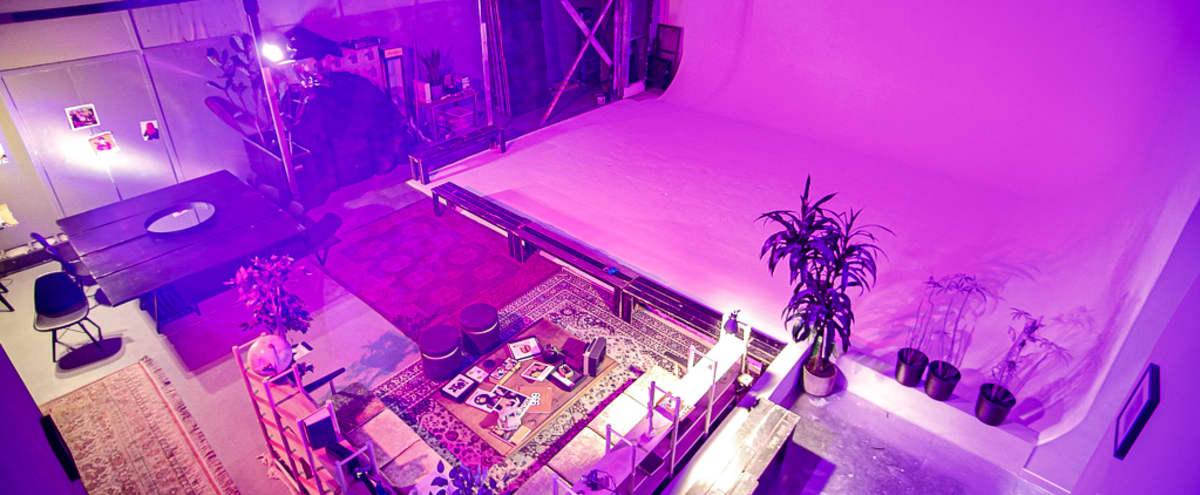 Spacious Cyclorama / Lounge / Studio in Silver Lake in Los Angeles Hero Image in Los Feliz, Los Angeles, CA