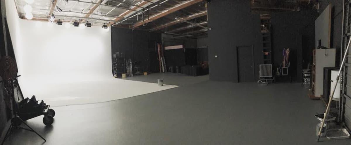 Giant Pre-lit 50ft Studio in Modern Warehouse in Van Nuys Hero Image in Lake Balboa, Van Nuys, CA