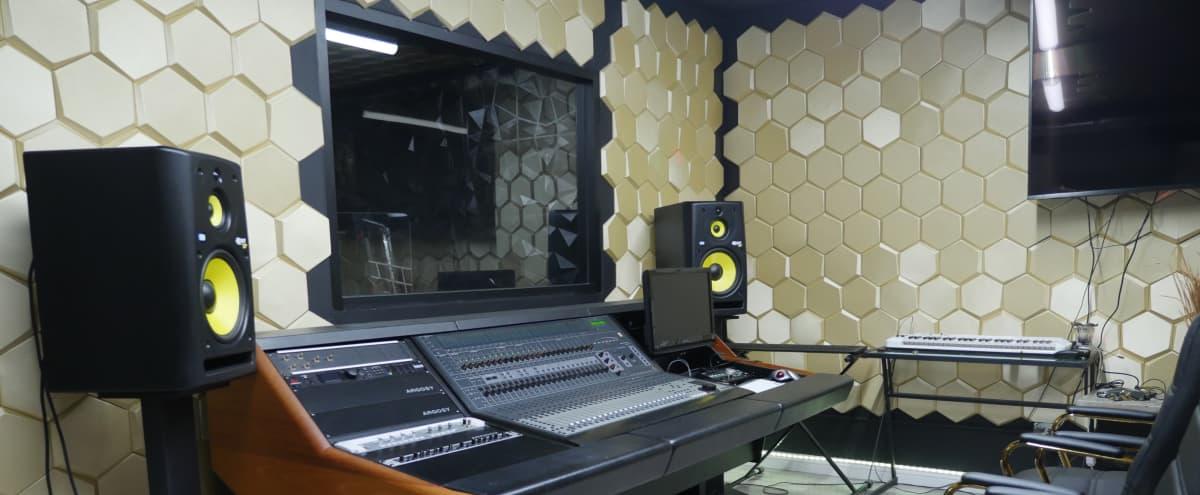 Da Vault Studio in Los Angeles Hero Image in Central LA, Los Angeles, CA