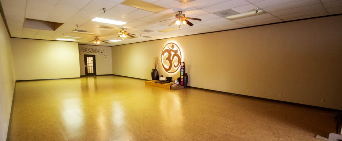 Large Versatile Studio in Friendswood in Friendswood Hero Image in undefined, Friendswood, TX