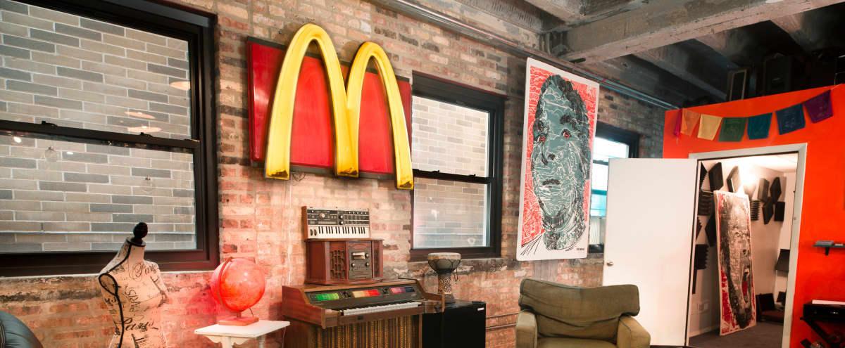 Ravenswood Loft w/ Green Screen, Brick, Recording Studio in Chicago Hero Image in Uptown, Chicago, IL