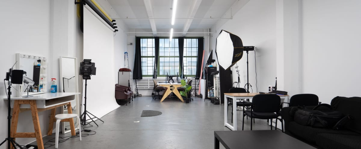 🔥SUMMER SPECIAL🔥 - Brooklyn Spacious Modern Photography Studio in Brooklyn Hero Image in Sunset Park, Brooklyn, NY