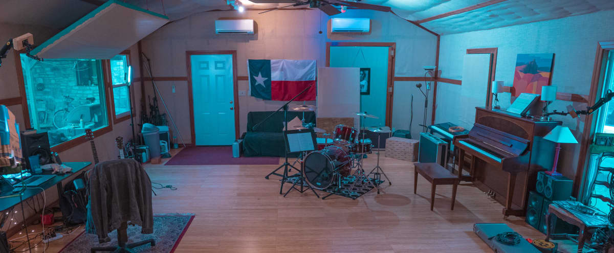 Boutique Sound Stage on 2 Acres in Buda Hero Image in Oxbow Trails, Buda, TX