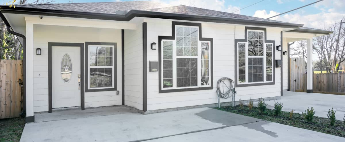 Brand New Home  Perfect for Any Occasion in Houston Hero Image in South Park, Houston, TX