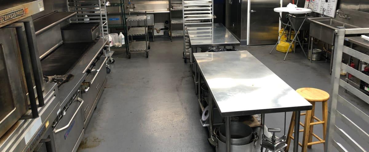 Full kitchen with working equipment, parking and wifi in northridge Hero Image in Winnetka, northridge, CA