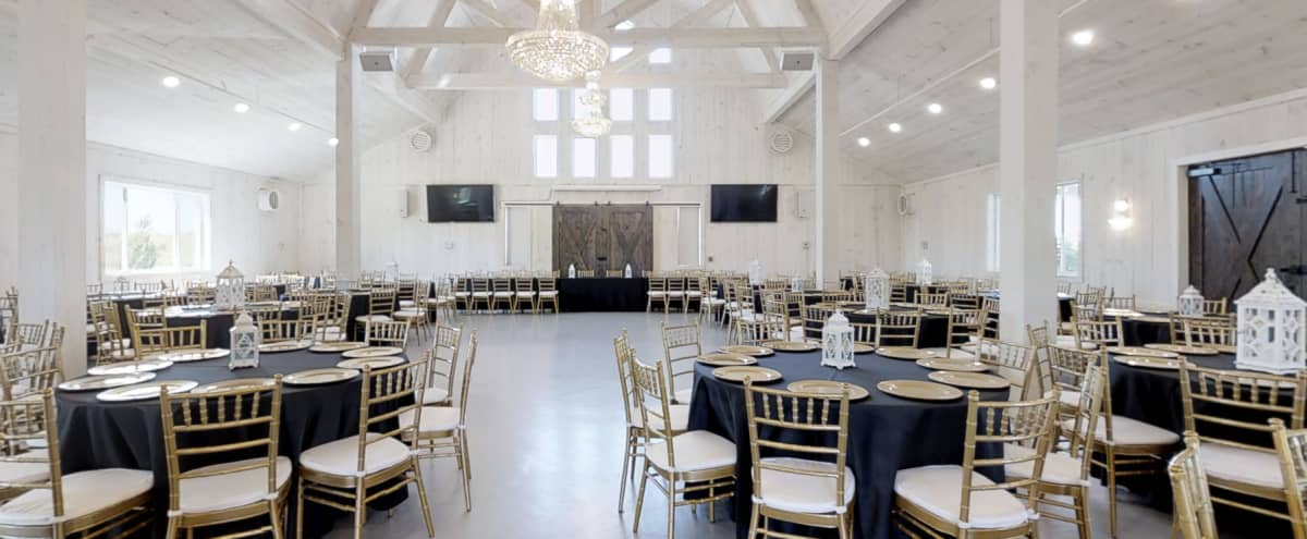 Stunning Carriage House Venue available for Corporate Meetings & Events in Guntet Hero Image in undefined, Guntet, TX