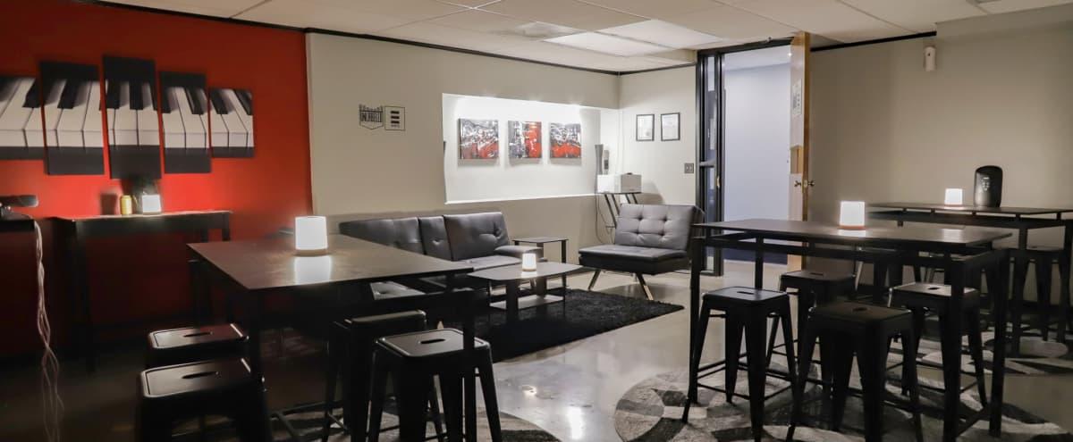 Spacious Lounge w/ Ample Seating in Kansas City in Kansas City Hero Image in Midtown - Westport, Kansas City, MO