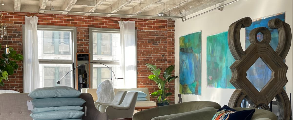 Charming Loft with Devine Daylight in Los Angeles Hero Image in Central LA, Los Angeles, CA