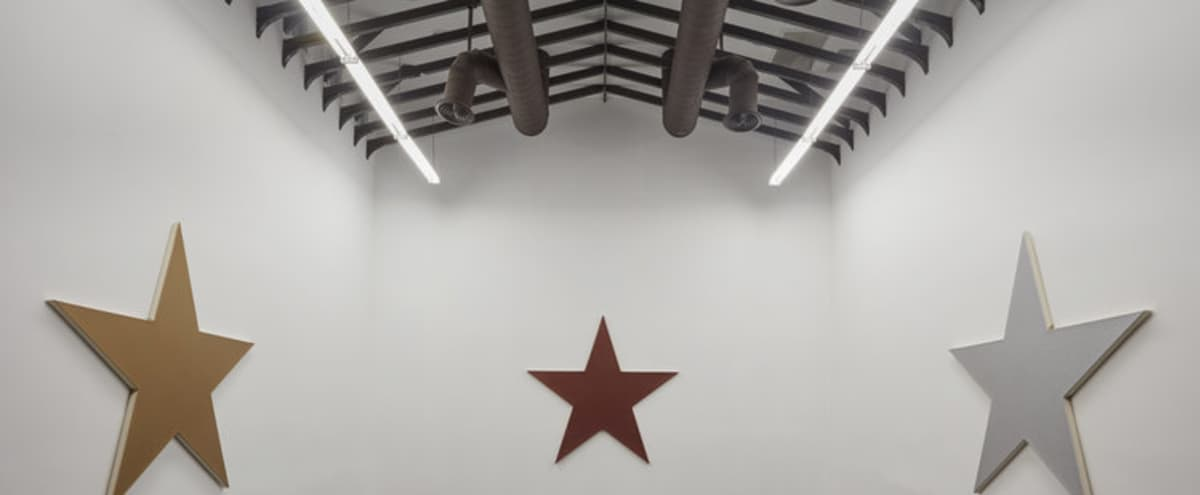 Modern Art Gallery/ Flex Space with offices in Los Angeles Hero Image in Melrose, Los Angeles, CA