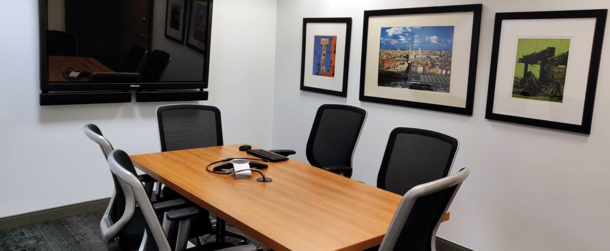 Meeting Room in Contemporary Space – Michigan Avenue (Loop) in Chicago Hero Image in Chicago Loop, Chicago, IL