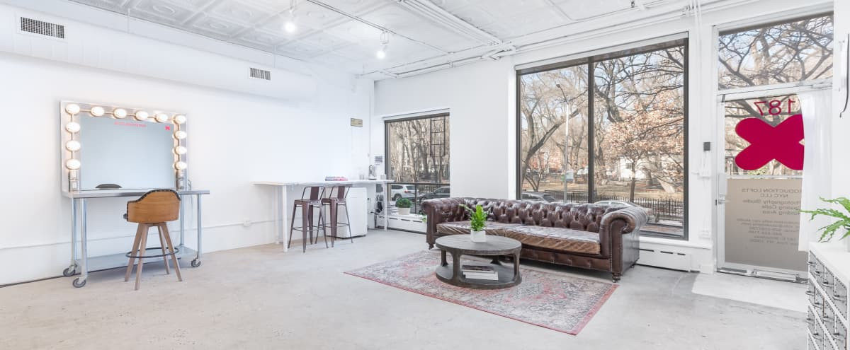 A BOUTIQUE PHOTO STUDIO + CYC in New York Hero Image in Two Bridges, New York, NY