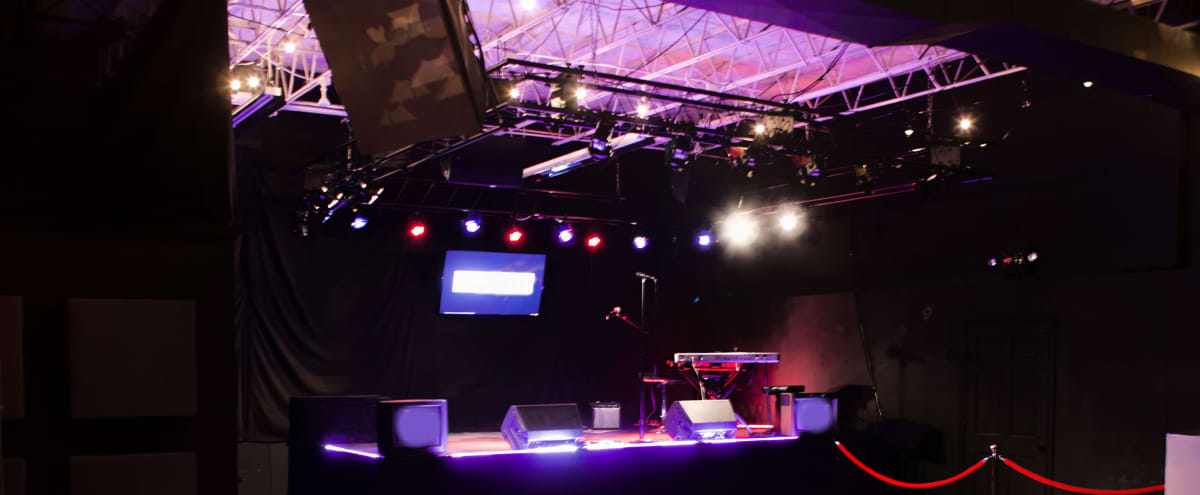 Intimate music venue with amazing stage, sound and lighting in syosset Hero Image in undefined, syosset, NY