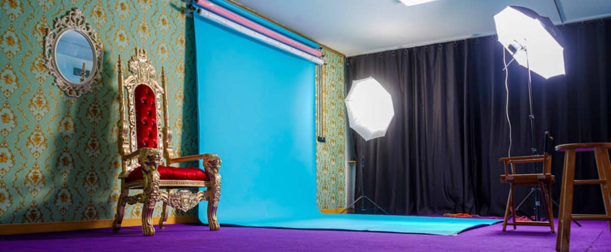 Beautiful Royal Fully Equipped Private Photo/Video Studio Space Near the Beach in Far Rockaway Hero Image in Far Rockaway, Far Rockaway, NY