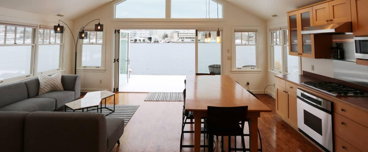Meeting Retreat in Waterfront House Boat in SEATTLE Hero Image in Portage Bay, SEATTLE, WA