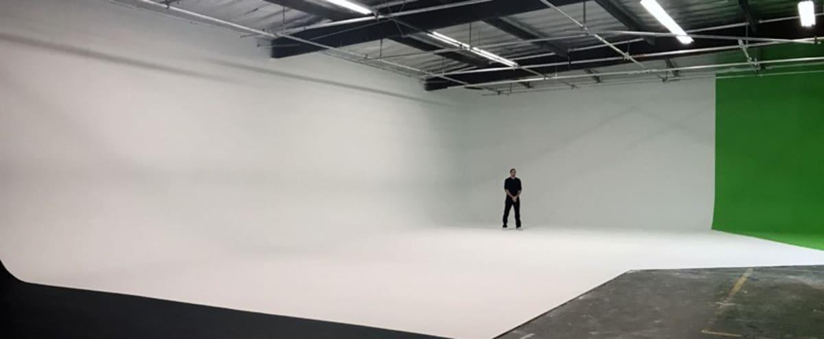 Large 85' White Cyc Studio in Burbank Hero Image in undefined, Burbank, CA