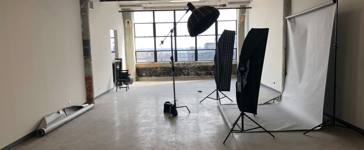 Photo studio with Natural light in Chicago Hero Image in Bridgeport, Chicago, IL