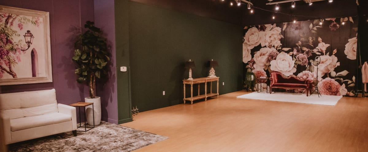 Bridgeport Village Versatile and Elegant Studio in Tigard Hero Image in Metzger, Tigard, OR