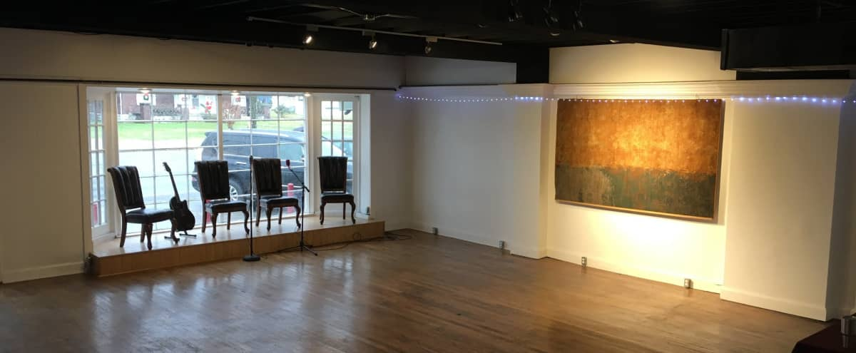 900 Sq Ft Open Floor Hardwood Fl Studio with 10Ft ceilings in Nashville Hero Image in Inglewood, Nashville, TN