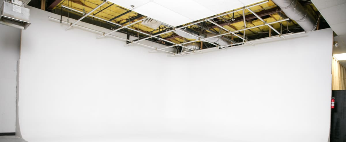 600sq ft White Cyclorama with Hanging grid and 200amps of power in Lake Balboa Hero Image in undefined, Lake Balboa, CA