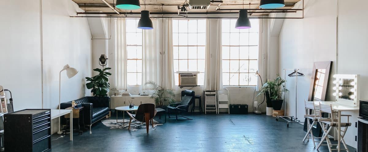 14 ft wide Cyc wall - 1,000 sq ft Photography Studio, Lounge, Huge Windows in Hoboken Hero Image in undefined, Hoboken, NJ