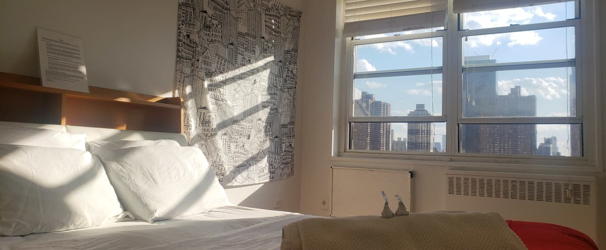 Spacious Room with Gorgeous VIEW! in New York Hero Image in Midtown Manhattan, New York, NY