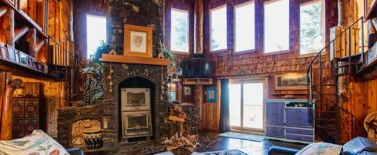 Meeting Retreat: Amazing cabin on 10 acres. in Coeur d alane Hero Image in undefined, Coeur d alane, ID