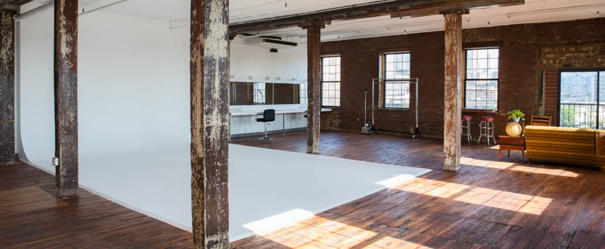 Full-Service Photo Studio With Cyclorama / 1500 Square Feet in Brooklyn Hero Image in Greenpoint, Brooklyn, NY