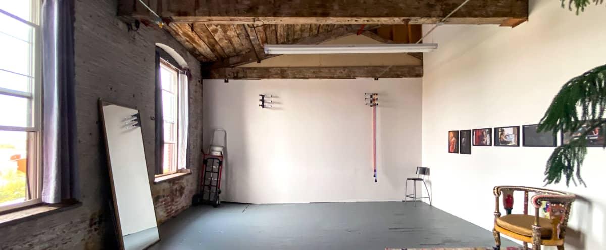 Left Eyed Studios: A Photo Studio in Kensington with Great Natural Light in Philadelphia Hero Image in East Kensington, Philadelphia, PA