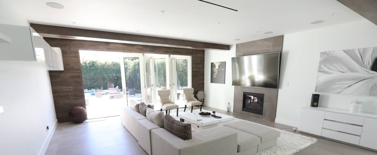 Beautiful Bright Sherman Oaks Home in Sherman Oaks Hero Image in Sherman Oaks, Sherman Oaks, CA