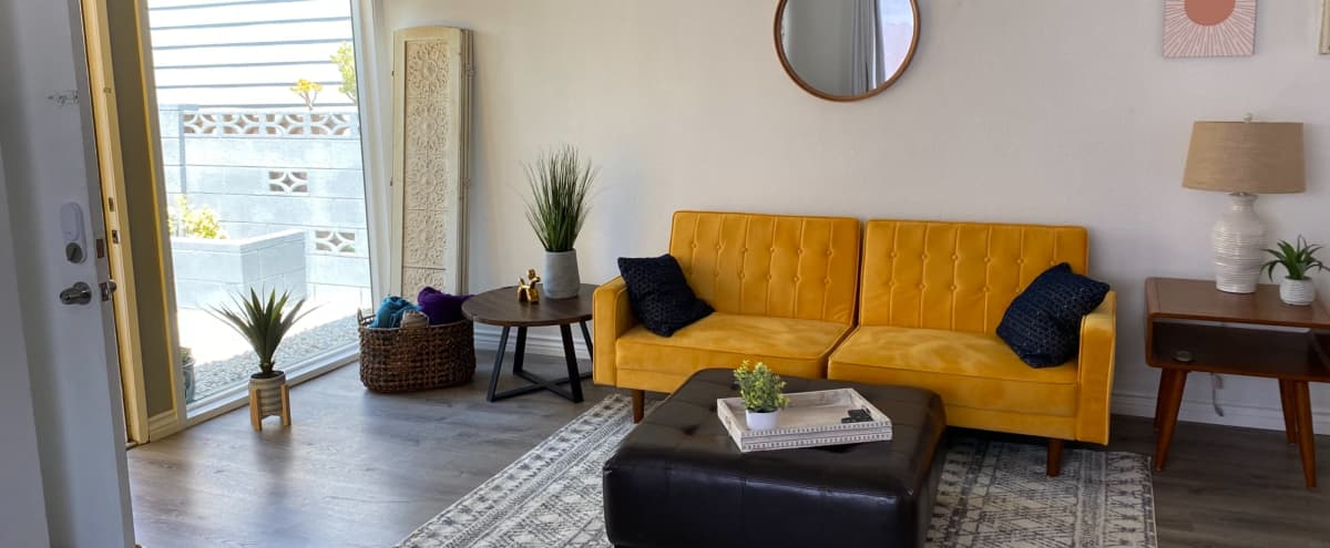 Relaxing Palm Springs/Beach Inspired House in North Hollywood Hero Image in North Hollywood, North Hollywood, CA