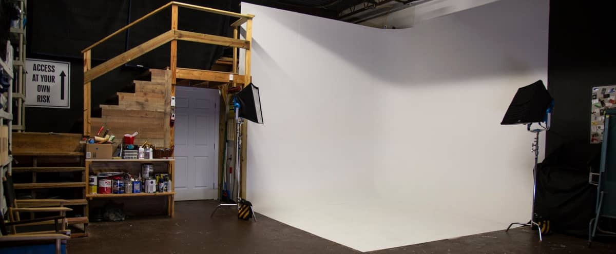 Photography Studio, Film Studio with Cyclorama wall and Green Room in Clearwater Hero Image in undefined, Clearwater, FL