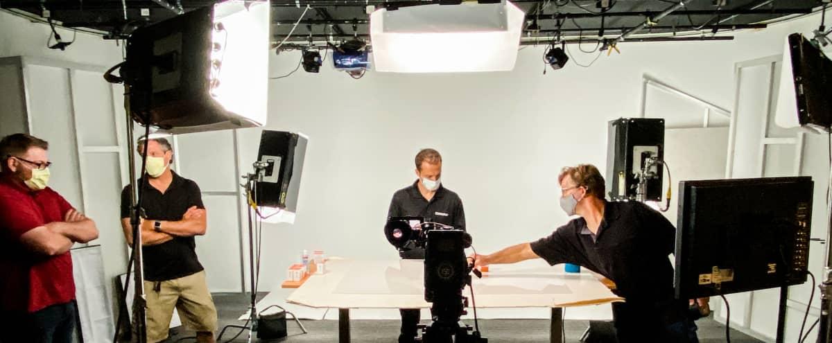 23' x 28' Video / Photo Studio Available for Rent in Phoenix Hero Image in Vista At The Peak Condominium, Phoenix, AZ