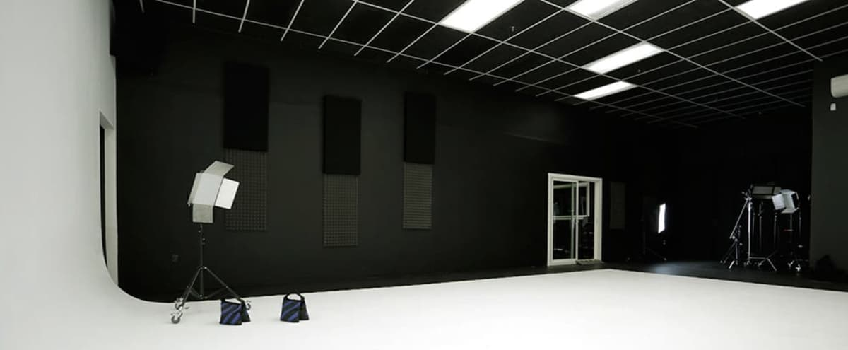 Large Production Studio Space White & Chroma Greenscreen cyc walls, lighting & more! in Roseville Hero Image in Industrial Area East, Roseville, CA