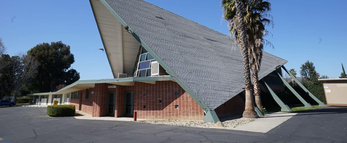 Architectural Mid Century Sanctuary in Canoga Park Hero Image in Canoga Park, Canoga Park, CA