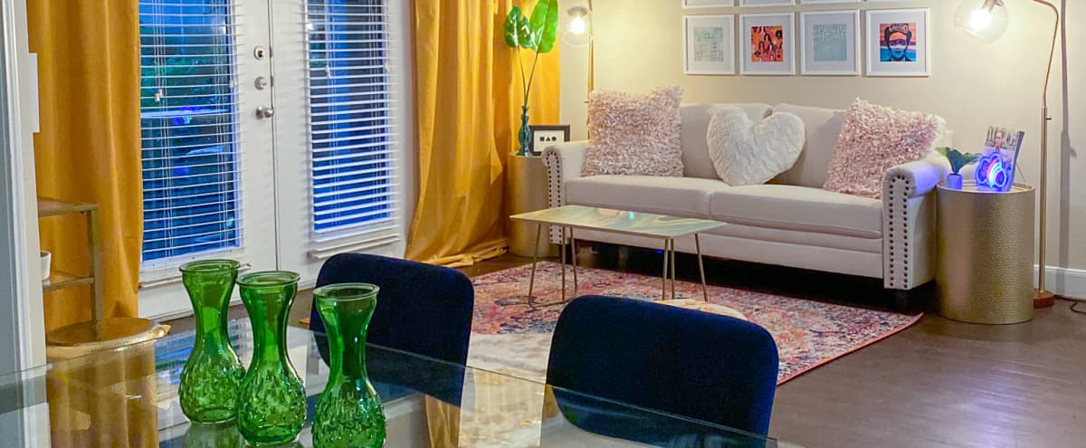 Big Mood - Modern Decorated Apartment in Houston Hero Image in Braeswood Place, Houston, TX