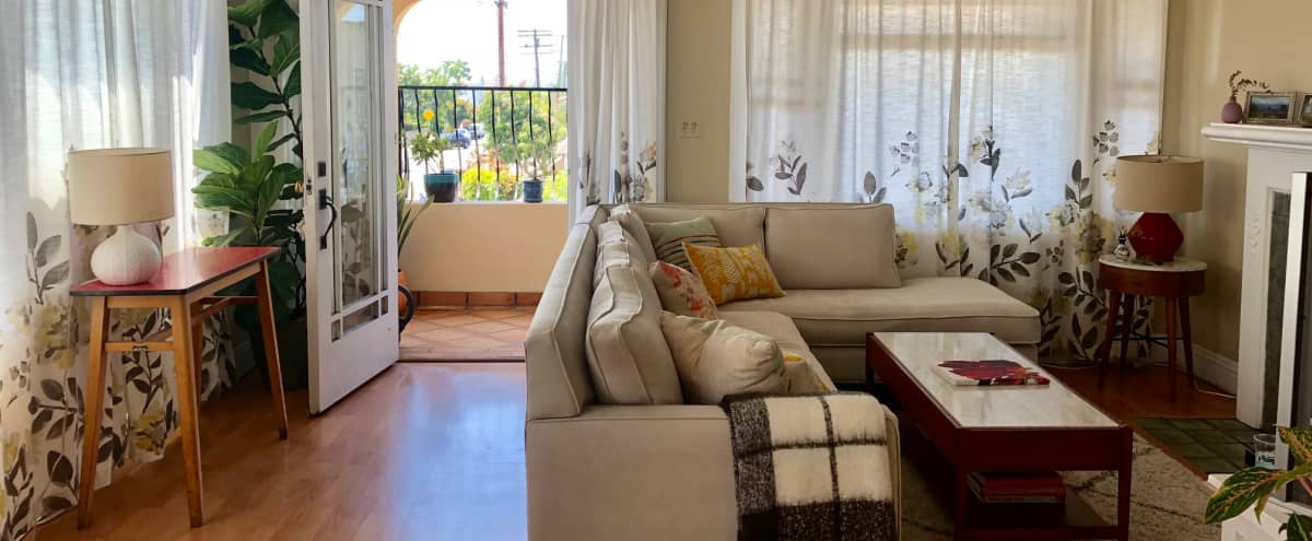 Large bright apartment in 1920's Spanish 4 plex in Los Angeles Hero Image in Mid City, Los Angeles, CA