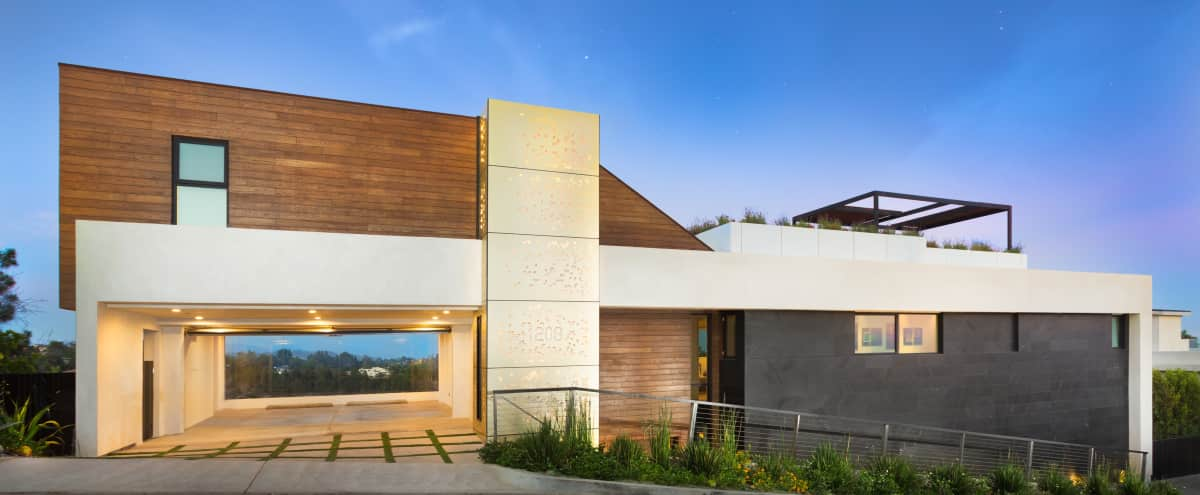 Modern Contemporary with Majestic Ocean and City Views in los angeles Hero Image in Bel Air, los angeles, CA