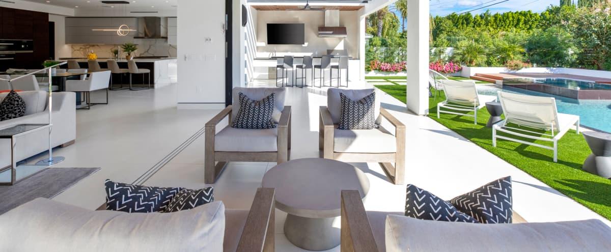 Modern Masterpiece, Natural Light, Designer Backyard, High Ceilings, Stunning Pool Area in Encino Hero Image in Encino, Encino, CA