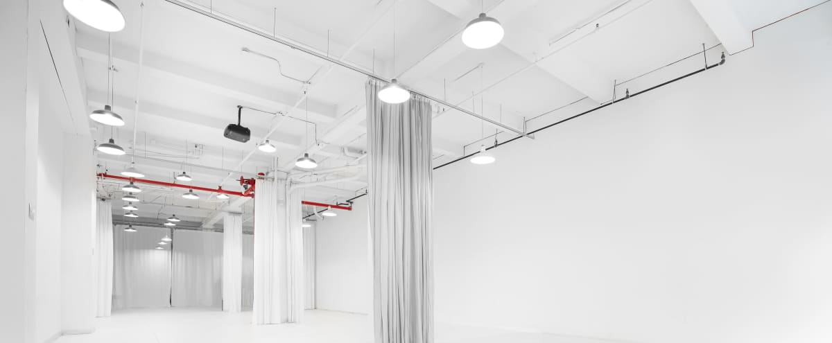 Full Service Studio - Perfect for Intimate Events in New York Hero Image in Midtown Manhattan, New York, NY