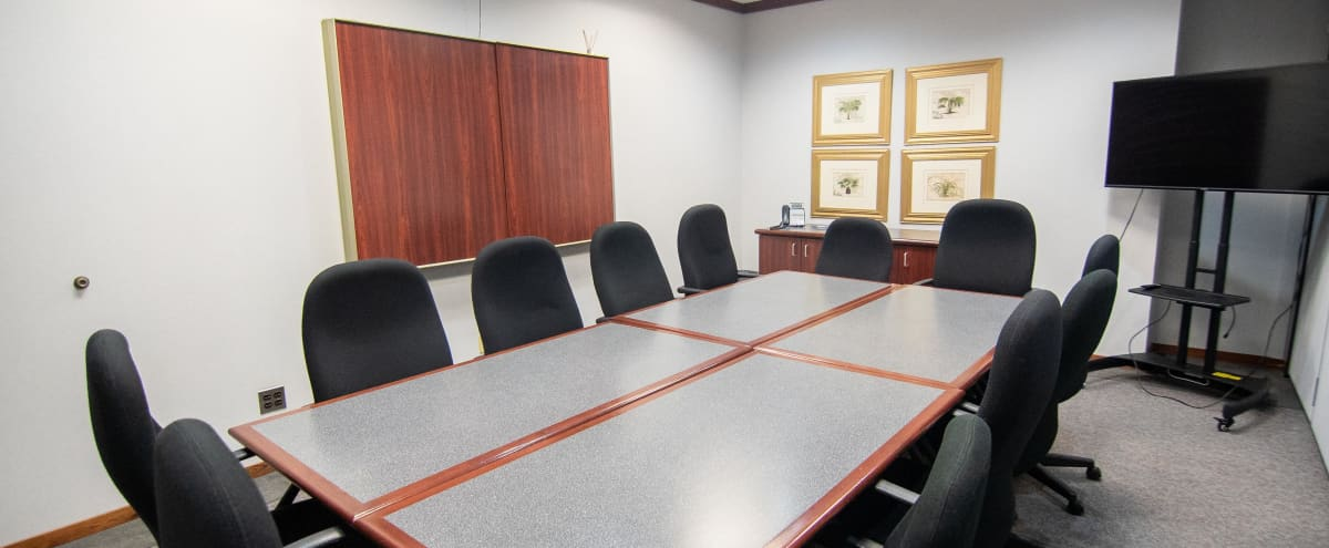 Bright Conference Room in Bloomfield for 12 in Bloomfield Twp Hero Image in undefined, Bloomfield Twp, MI
