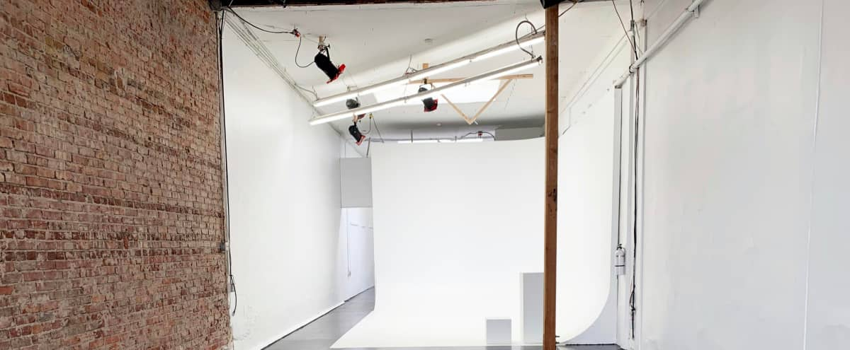 3,000 SQ FT Clean White Warehouse Space in los angeles Hero Image in Downtown, los angeles, CA