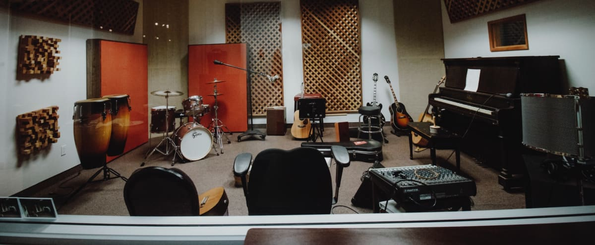 Music Studio for Rehearsal, Go Live or  Film/Video in Long Beach Hero Image in Los Altos, Long Beach, CA