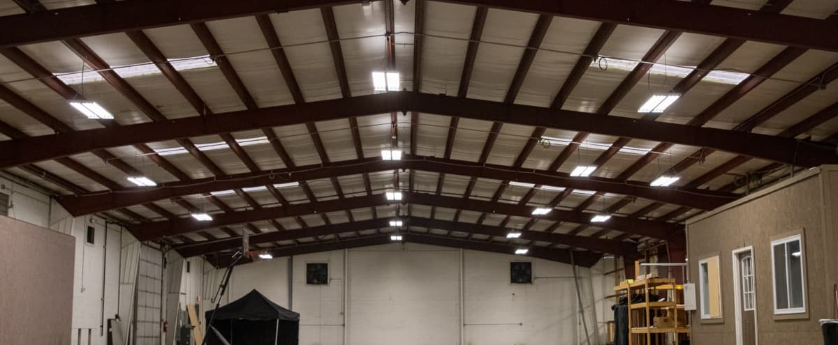 Industrial Warehouse with Easy Load-In and Access to Dressing Rooms in East Point Hero Image in undefined, East Point, GA