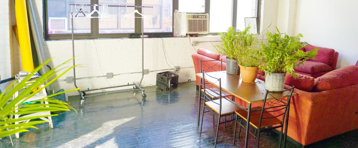 Industrial Studio with Natural Sunlight Windows in Bronx Hero Image in Port Morris, Bronx, NY
